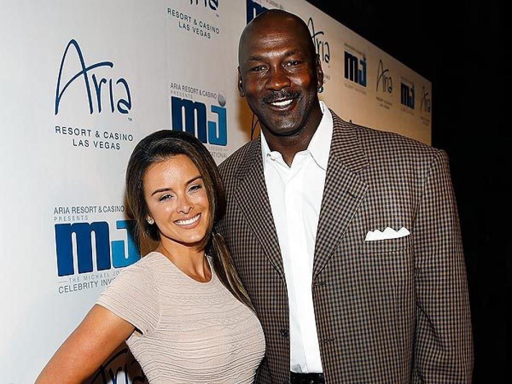 michael jordan and wife expecting a baby sportsastoldbyagirl. Black Bedroom Furniture Sets. Home Design Ideas